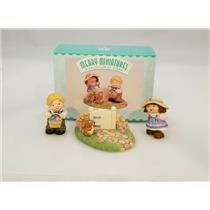Hallmark Merry Miniatures 1999 Bashful Friends - Set of 3 Figurines - #QSM8459
