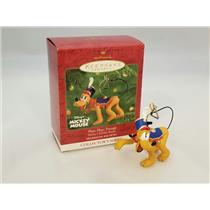 Hallmark Ornament 2001 Mickeys Holiday Parade - Pluto Plays The Triangle QXD4112