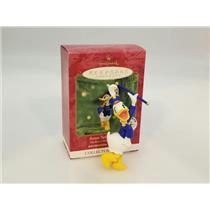 Hallmark Ornament 2000 Mickey's Holiday Parade #4 - Baton Twirler Daisy #QXD4034