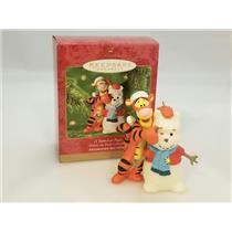 Hallmark Ornament 2001 A Familiar Face - Disney's Winnie the Pooh - #QXD4152