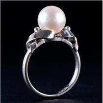 Vintage 1950's 14k White Gold Round Cut Cultured Freshwater Pearl Solitaire Ring