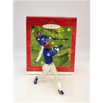 Hallmark Ornament 2001 At The Ballpark #6 - Sammy Sosa - Chicago Cubs #QXI6375