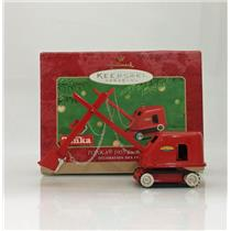 Hallmark Keepsake Ornament 2001 Tonka 1955 Steam Shovel - #QX6292-SDB