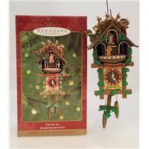 Hallmark Magic Ornament 2000 Time for Joy - Wind-up Santa Claus Clock - #QX6904