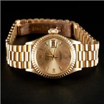 Vintage 1960s 18k Yellow Gold Ladies Rolex Oyster Perpetual Datejust Wrist Watch