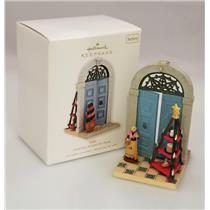 Hallmark Series Ornament 2010 Doorways Around the World #4 - Italy - #QX8443-SDB