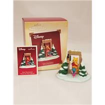 Hallmark Ornament 2005 Gift Exchange - Disney's Winnie the Pooh - #QXD4105