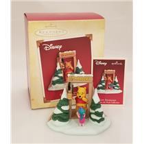 Hallmark Ornament 2005 Gift Exchange - Disney's Winnie the Pooh - #QXD4105-SDB