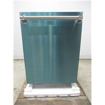 """Thermador Star-Sapphire Glow Series 24"""" SS Integrated Dishwasher DWHD860RFP"""