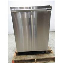 Thermador 24 Inch Star Glow Light Stainless Built-In Dishwasher DWHD870WFP