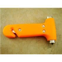 Compact 3-IN-1 Emergency Hammer - Seatbelt Cutter - Window Breaker - Hammer