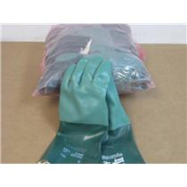 (10) Ansell Edmont  8-352  Scorpio Chemical Resistant Size 9 Gloves (Green)