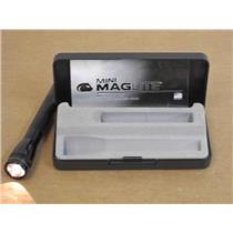 Mag Instrument M2A01L Black Mini Maglite Flashlight w/Hard Case & 2-AA Batteries