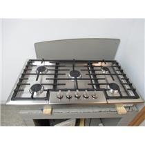 """Bosch 36"""" 5 Sealed Burners Low Profile Metal Knobs Natural Gas Cooktop NGM8655UC"""