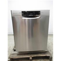 """Bosch 800 Series 24"""" 44 dBA 15 Setting Full Console Dishwasher SGE68X55UC"""