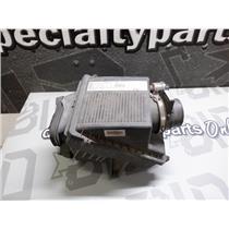 2001 - 2003 GMC 2500 8.1 LITRE GAS AIR FILTRE ASSEMBLY ( OEM )