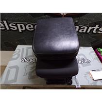 2006 - 2008 DODGE 2500 3500 LARAMIE MIDDLE JUMP SEAT LEATHER CONSOLE (BLACK)
