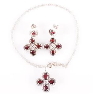 14k White Gold Garnet & Diamond Floral Style Necklace / Earring Set 6.43ctw