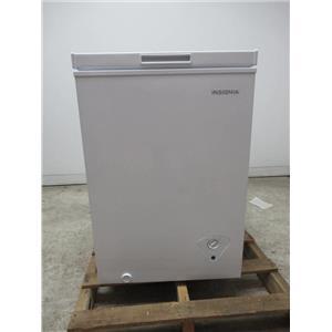 Insignia 3.5 Cu. Ft. White Chest Freezer NSCZ35WH7 (LOCAL)