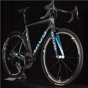 Divo ST Peloton Size 54 or Medium Carbon Road Bike Campagnolo Record, Superbike!
