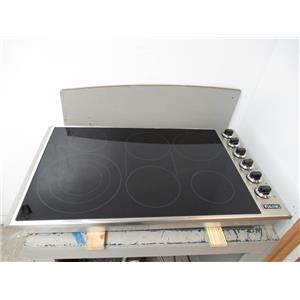 """Viking Professional 5 Series 36"""" Stainless Radiant Electric Cooktop VECU53616BSB"""