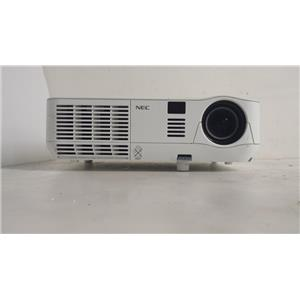 NEC NP-V260X HIGH-BRIGHTNESS MOBILE PROJECTOR (LAMP HOURS ARE 0)