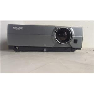 SHARP XG-C330X LCD PROJECTOR(902 LAMP HOURS USED)