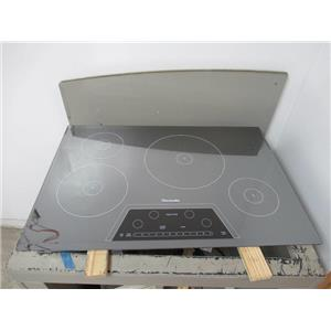 """Thermador Masterpiece Series 30"""" 4 Elements Induction Mirrored Cooktop CIT304KM"""