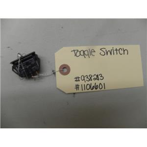 WHIRLPOOL 2 DOOR REFRIGERATOR 938213 1106601 TOGGLE SWITCH USED PART ASSEMBLY