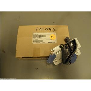 Samsung Whirlpool Microwave Latch Assy DE96-00183A  NEW IN BOX
