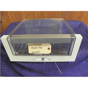 ELECTROLUX  REFRIGERATOR 241772804 CRISPER PAN USED PART ASSEMBLY