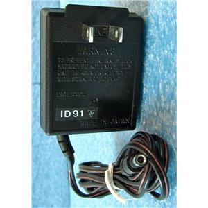 EIKI 620S AC ADAPTER POWER SUPPLY, AC DC, 6VDC 200mA OUTPUT, 6 VOLTS DC 200 mA