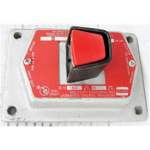 CROUSE HINDS EFSC2184 RED EXPLOSIONPROOF PUSHBUTTON FACEPLATE, MISSING BACK HOU