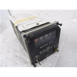 Cessna P/N C582601-0201 KDI 570 DME Indicator King Radio