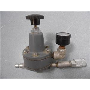 Siemens 40-100 Air Pressure Regulator With Gauge And Quick Disconnect Fitting