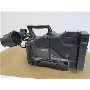 SONY DXC-D30 Digital Video Camera w/Camera Adapter CA-537 & View Finder DXF-701