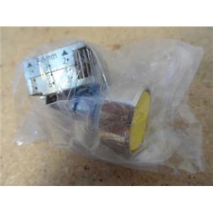 Siemens 3SB3500-OAA31 Yellow Push Button Switch New