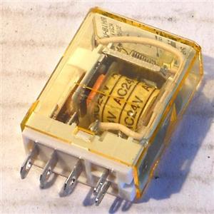 IDEC RH1B-U RELAY, 24V 50/60HZ COIL SPDT