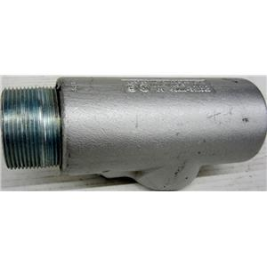 "CROUSE HINDS EYS71/EYD71 2-1/2"" CONDUIT FITTING, 2.5 INCHES, CAST IRON"