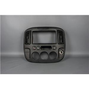 01-07 Ford Escape 05-07 Mariner Radio Climate Dash Bezel Vents & Hazard Switch