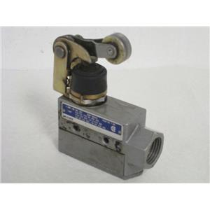 Honeywell/Microswitch BZE6-2RN2 Side-Mount Roller-Lever Medium-Duty Limit Switch