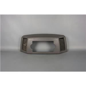 2005-2007 Jeep Grand Cherokee Radio Dash Trim Bezel with Missing Lever on Vent