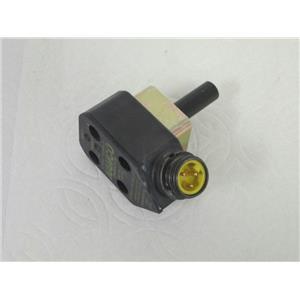 Namco EE230-31920 90 Degree Rotatable Cylindicator Proximity Sensor, AC/DC
