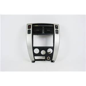 2005-09 Hyundai Tucson Radio Climate Dash Trim Bezel for Manual Climate Controls