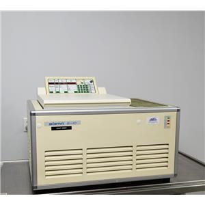 Sigma 6-10 Centrifuge Laboratory Benchtop 6000 RPM w/o Rotor