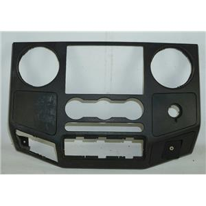 2008-2010 Ford F250 F350 Radio Climate Center Dash Bezel Line In AUX Port