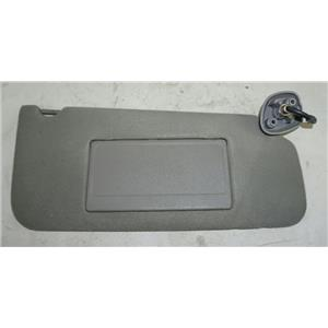 00-03 Ford F150 Passenger Side Sun Visor w/ Lighted Mirror & Diamond Shape Mount