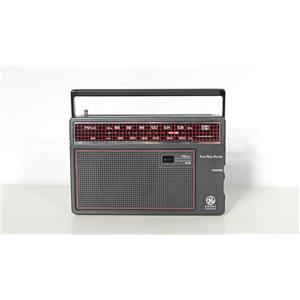 General Electric 7-26600 Portable AM/FM Radio