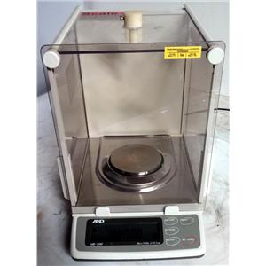 A&D HR-2000 HR Series Analytical Balance