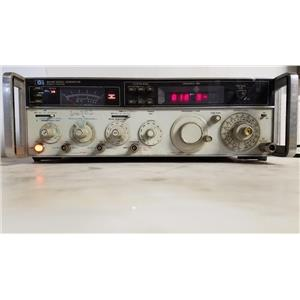 HEWLETT PACKARD 8640B SIGNAL GENERATOR, 002